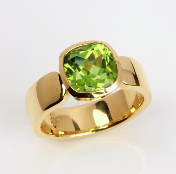 Ring-Gold-Peridot (1)