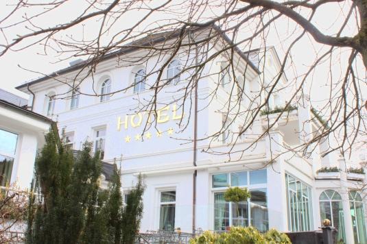Fünf_Sterne_Hotel_Deimann