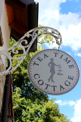Tea Time Cottage Schild