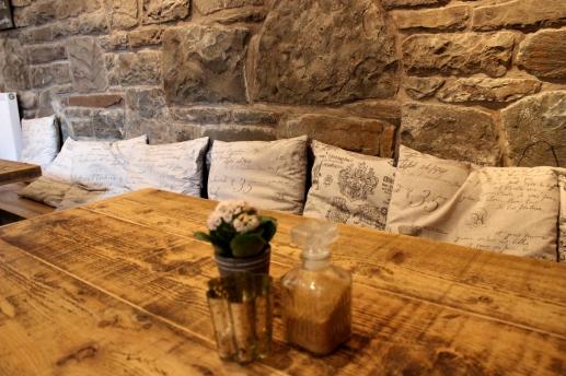 Tea Time Cottage Tisch