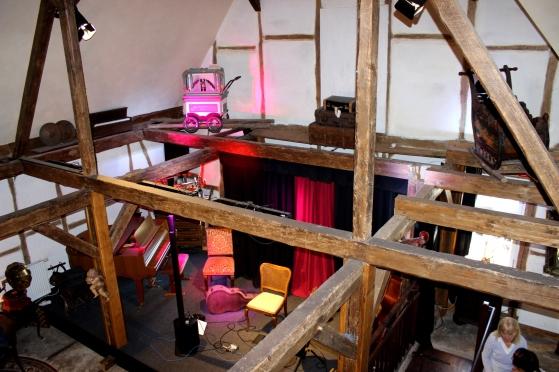 Schrabben Hof Bühne Galerie