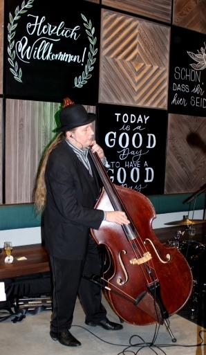 Sauerlandität Ampersand Cello