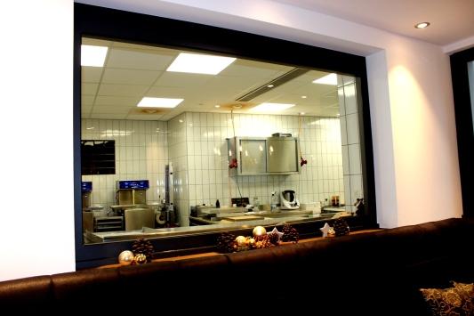 Schokoladenmanufaktur Sauerland Fenster zur Produktion