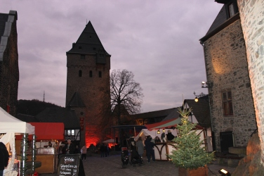 Winter Spektakulum oberer Burghof