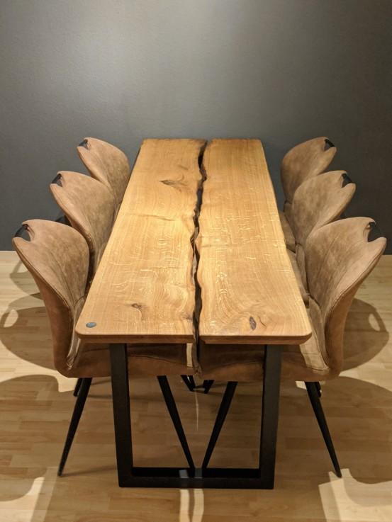 Monumentable Tisch