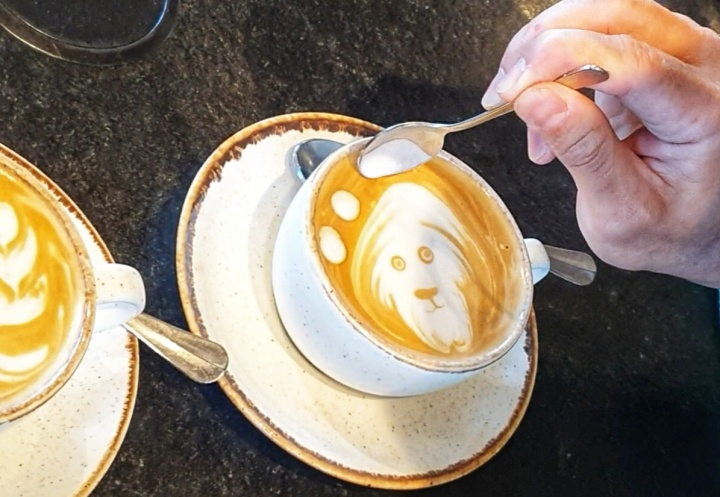 """LATTE ART"" MIT BARISTA RICHARD SIONGCO"